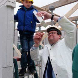 Wethouder Ronald van der Meij viert wederom een start bouw!