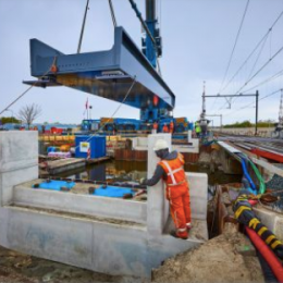 Nieuwe spoorbrugdelen 't Haantje RijswijkBuiten