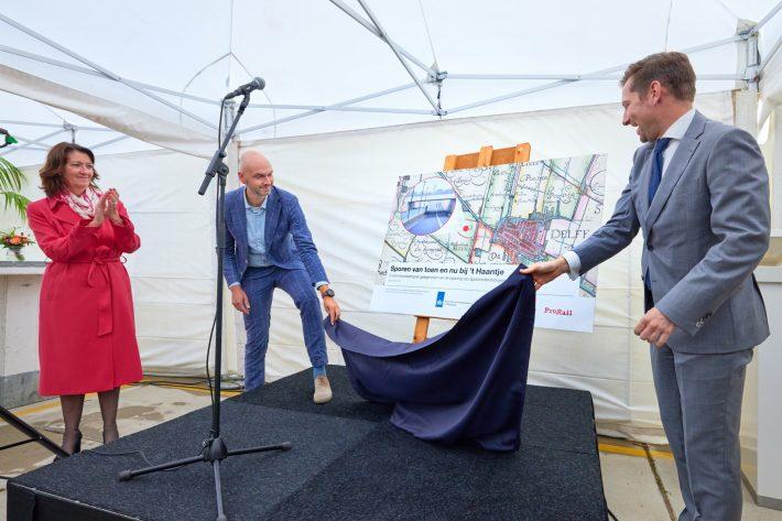 Fototentoonstelling in nieuwe spooronderdoorgang RijswijkBuiten